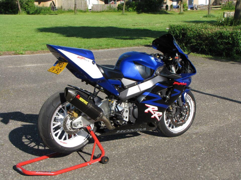 Honda CBR954RR Fireblade  MOTORBLITZ