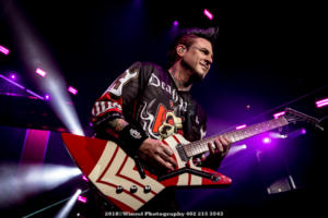 2018, Nov 22-Five Finger Death Punch-Pinnacle Bank Arena-Winsel Photography-6788