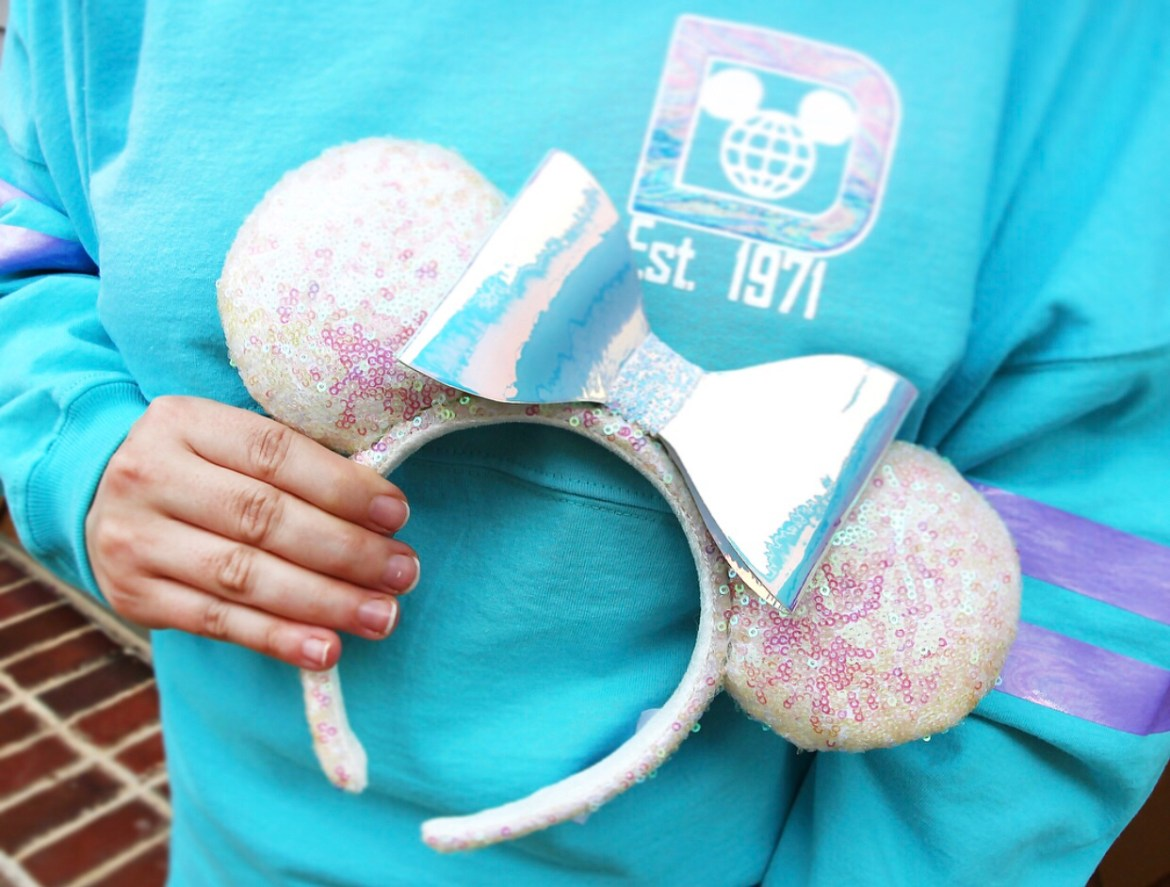 Iridescent Sequin Minnie Ears with Teal Iridescent Spirit Jersey