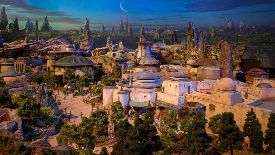 BREAKING: Star Wars Galaxy's Edge Opening Dates Announced
