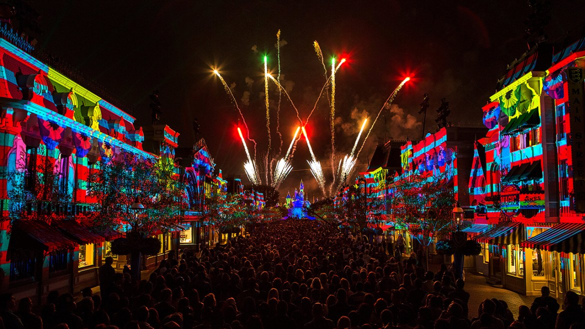 Top 10 Must Do Things at Disneyland this Summer