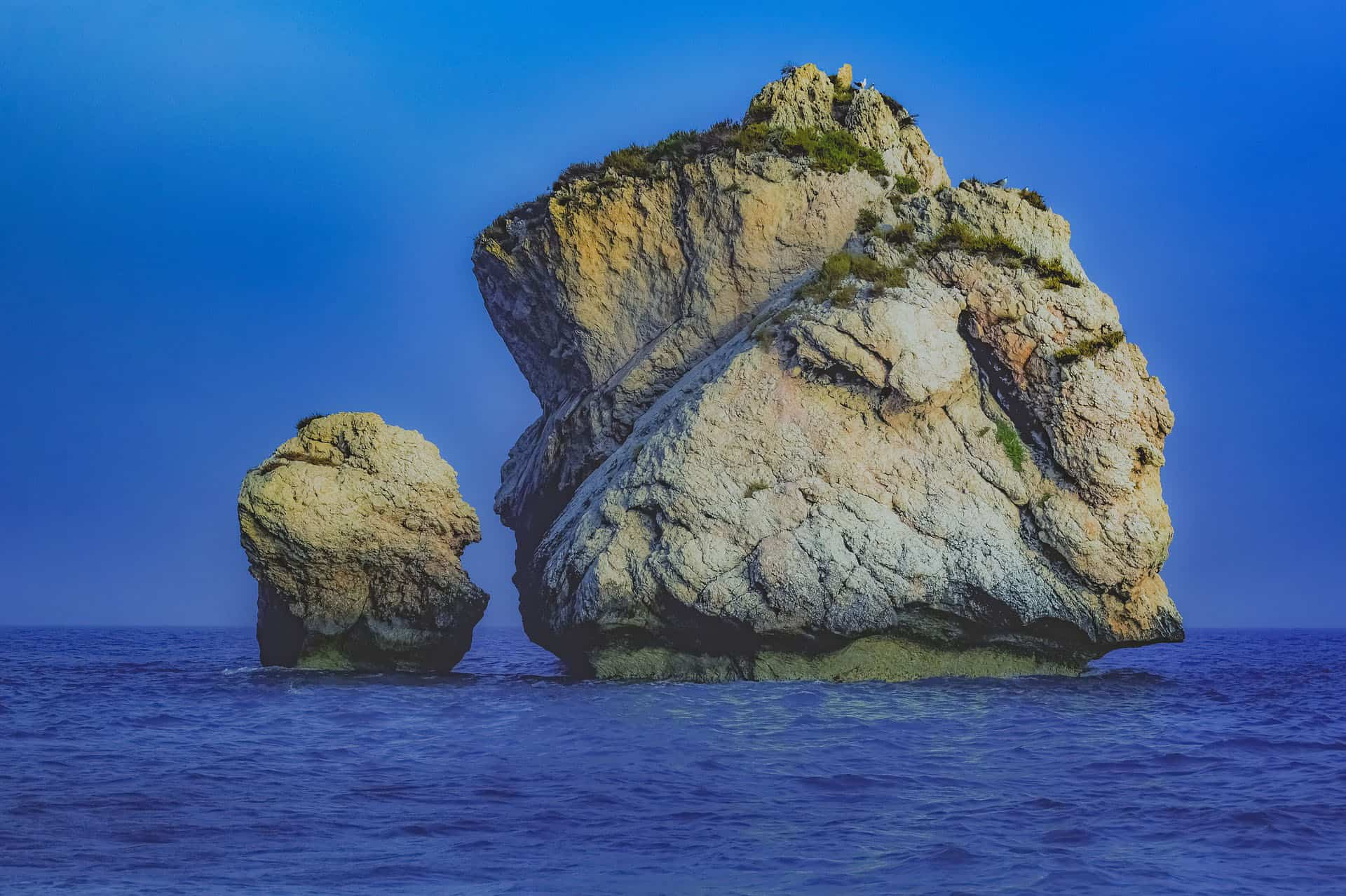 places to visit in cyprus - aphrodities rock