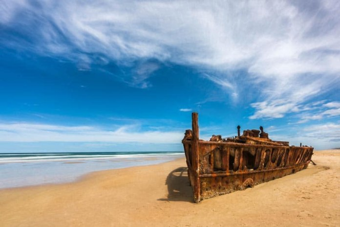 things to see in australia fraser island wreck
