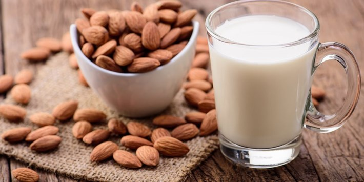 almond milk.jpeg