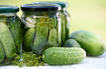 pickled-cucumbers-1520638_1280