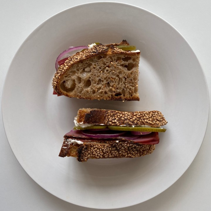 Sandwich with Roastbeef, Pickle and Red Onion