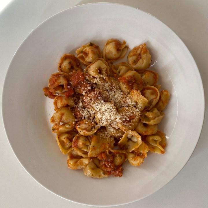 Tortelini with Tomato Pesto
