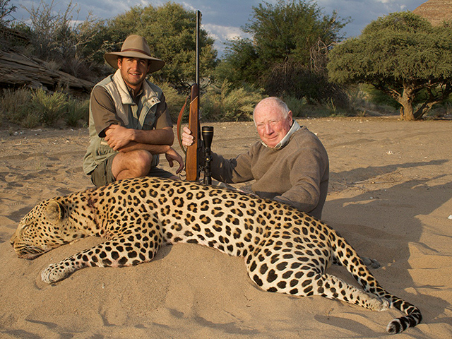 Leopards start hunting human hunters