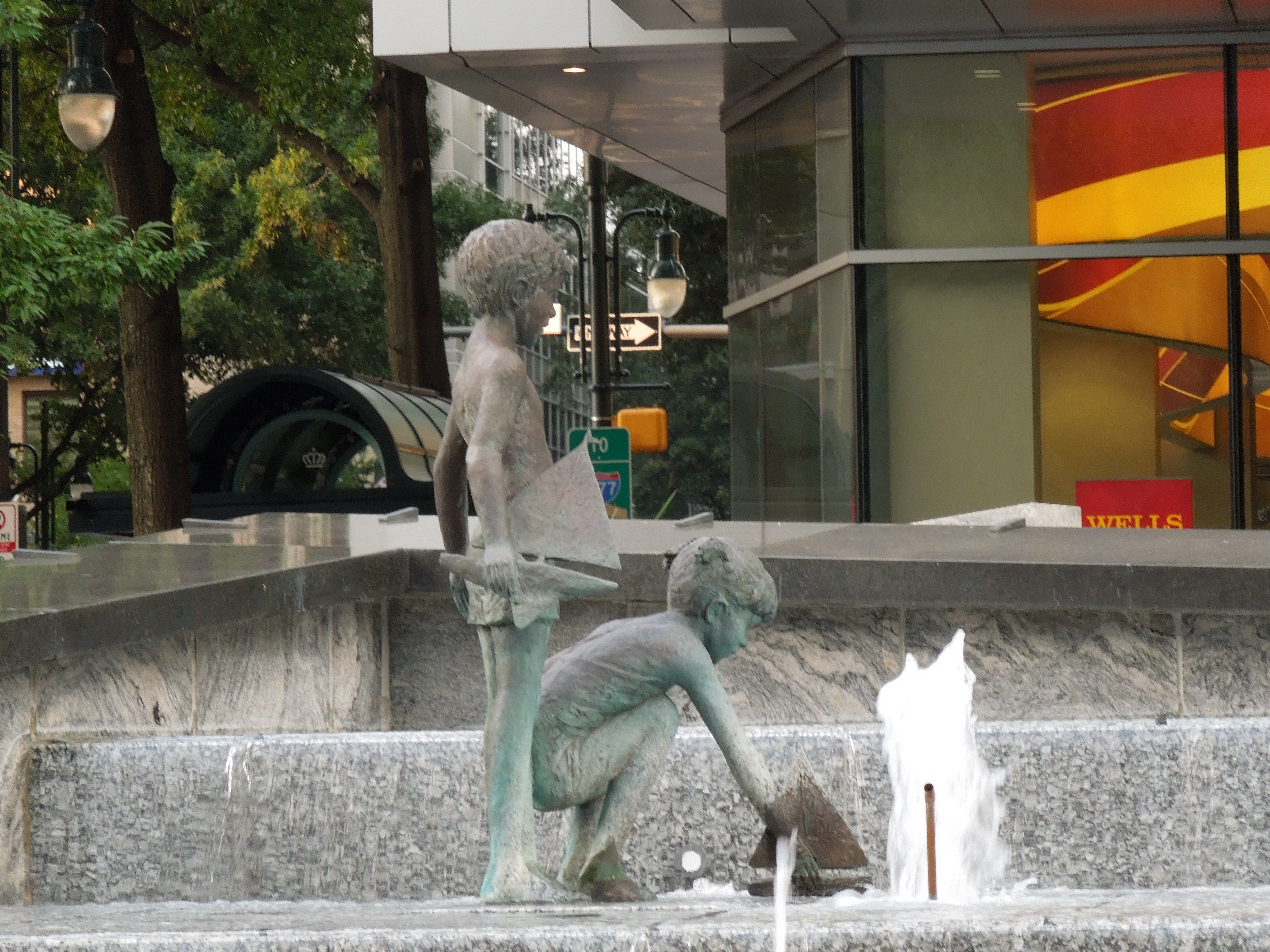 Ch- Foutain Statue