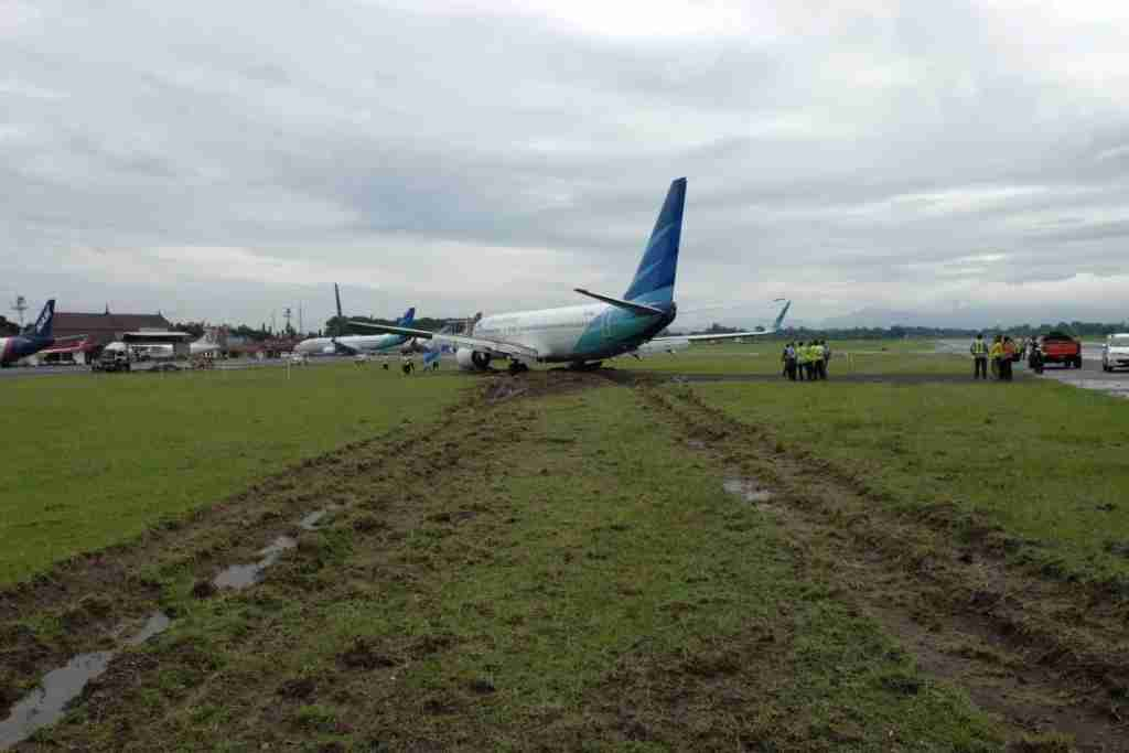 Excessive energy on touchdown can lead to a runway excursion (Image - aviation-safety.net)