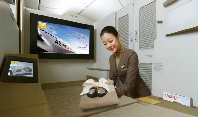 Asiana features its newest first-class suites on the A380 and 777-200ER.