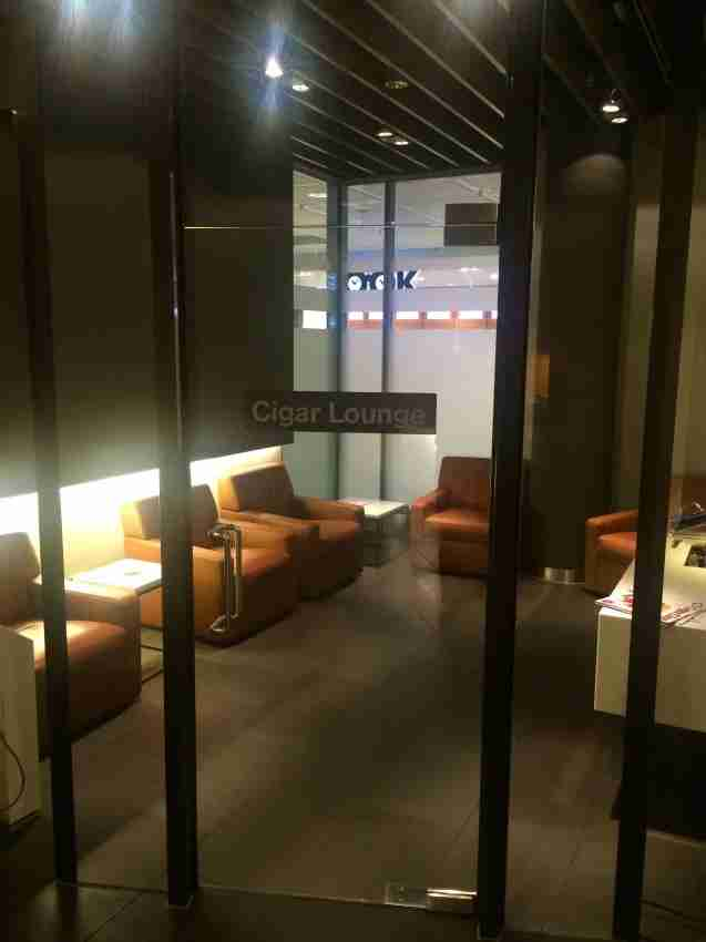 The cigar room at the Lufthansa first-class lounge in Munich was pretty smokin