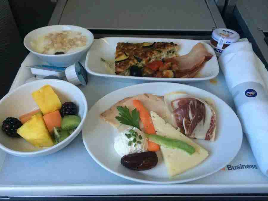 Business-class breakfast onboard Lufthansa