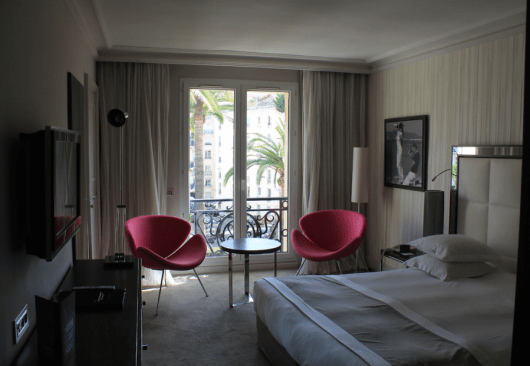 A nicely spacious room, good seating area and plenty of light to relax in...