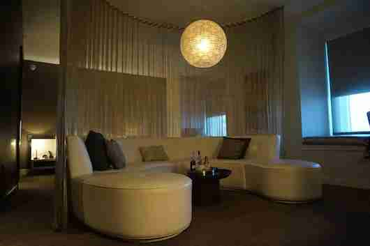 The Hollywood Wow Suite begging to entertain with plenty of seating and in-room martinis.