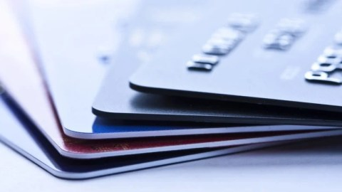 Business credit vs charge cards which is right for you colourmoves