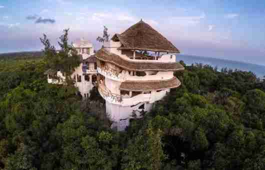 In lieu of a typical hotel, why not tree a cool rental, like a treehouse in Watamu, Kenya. Photo courtesy of FlipKey.