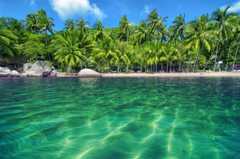 Thai islands provide a lush, tropical spot for a soothing, restful retreat. Photo courtesy of Shutterstock.
