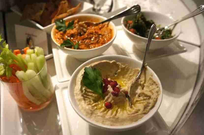 emirates-lounge-lax-dips-food-melanie-wynne