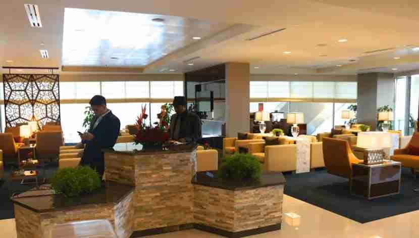 emirates-lounge-lax-los-angeles-melanie-wynne