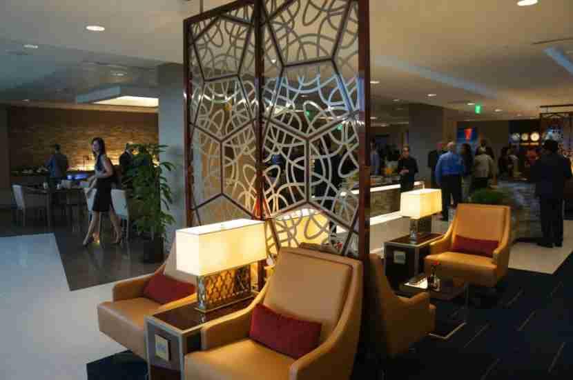 emirates-lounge-lax-melanie-wynne