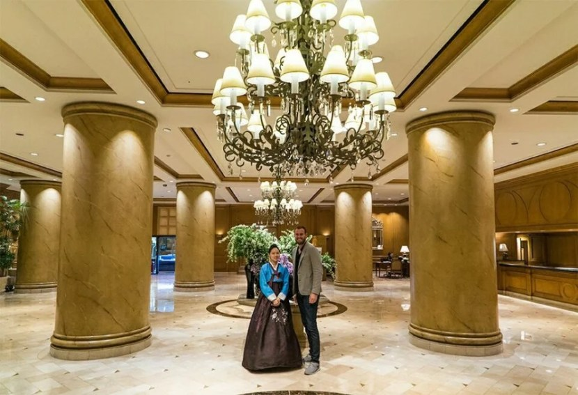 The lobby feels a little like a fancy shopping mall, but the people are just delightful.