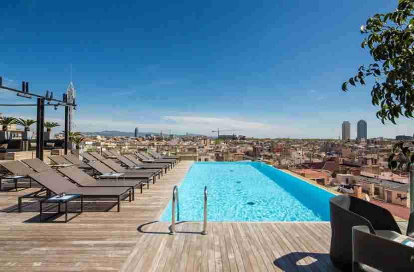 If you like rooftop pools with a city view, you