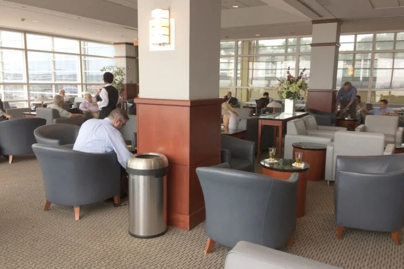 Adorned with the standard gray US Airways chairs, this lounge was unimpressive.