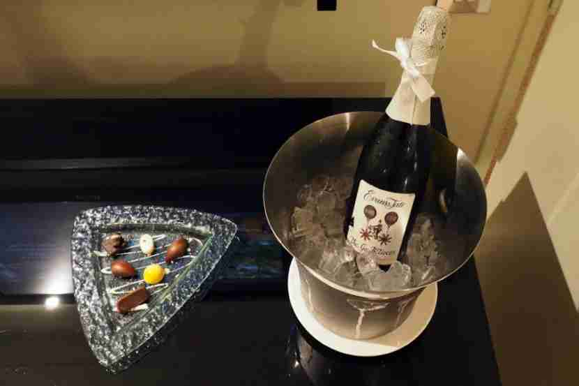 We received chocolates and a bottle of sparkling wine as an apology from the manager.