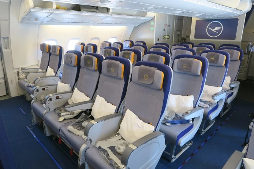 Lufthansa A380 upstairs economy section