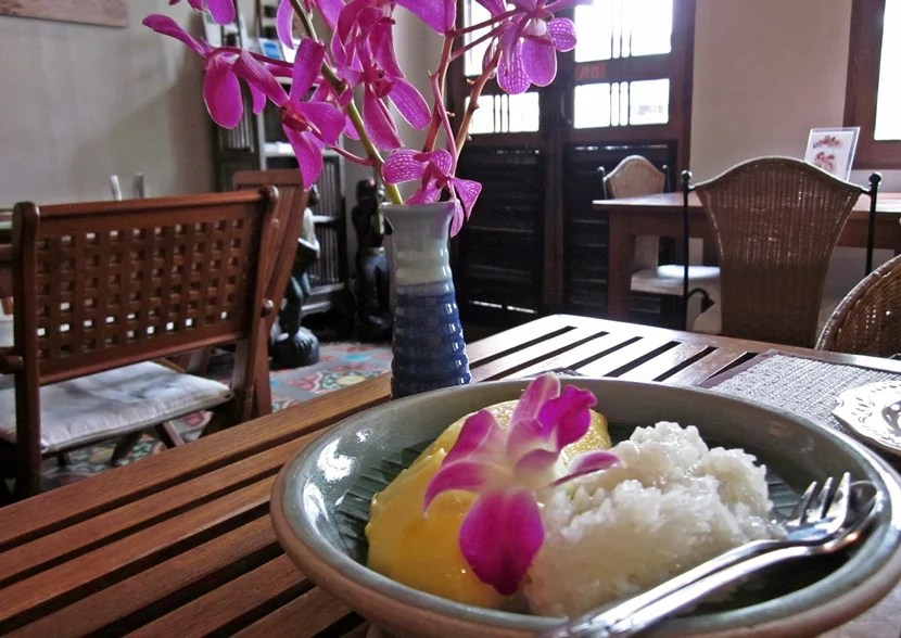 Mango with sticky rice at Tongue Thai in Bangkok