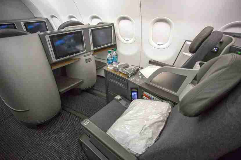 Photo of American Airlines A321T business class by Kevin Song.