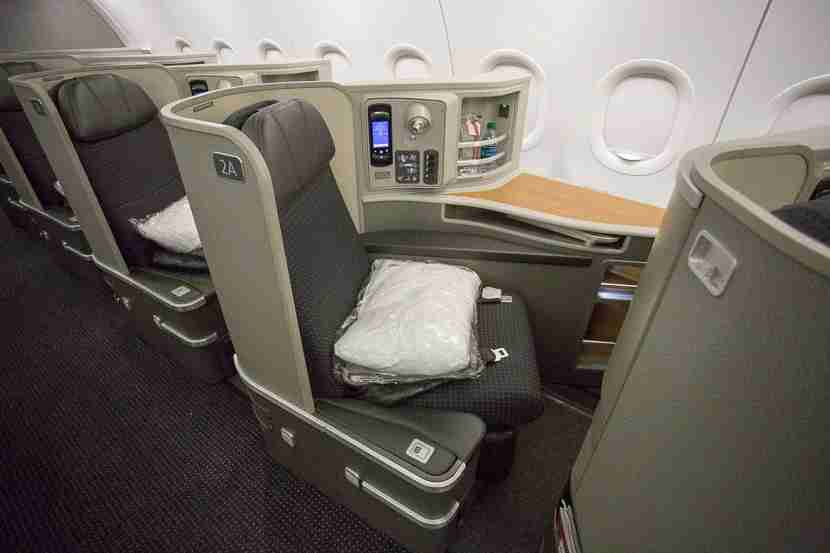 First Class on American Airlines A321T. Photo by Kevin Song / The Points Guy.