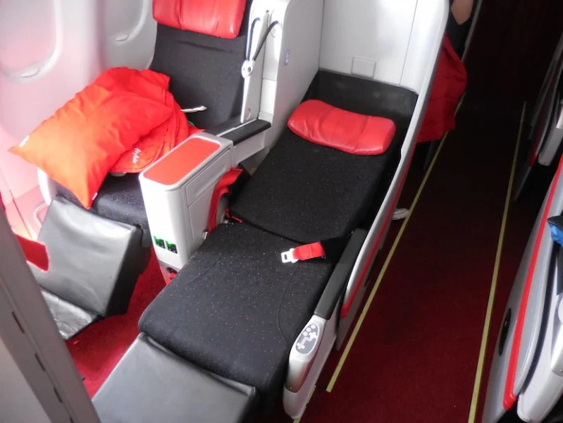 AirAsia's Premium Flatbed in full bed mode with a take/off landing configured seat next to it. Photo courtesy Richard Kerr