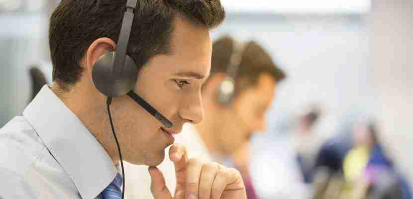 Phone representative customer service featured shutterstock 165859370