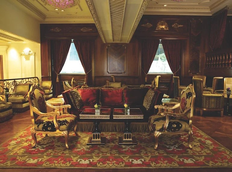The Plaza's Rose Room is the ultimate Manhattan classic. Photo courtesy of the hotel.