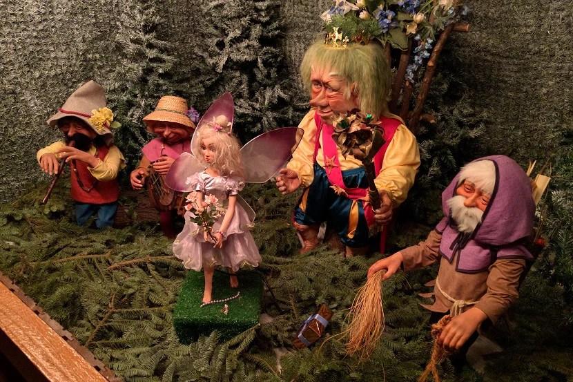 Munich's creepy Christmas troll.