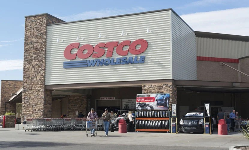 As of June 20, Costo will no longer accept American Express cards, including it's own co-branded one, in favor of Visa cards.