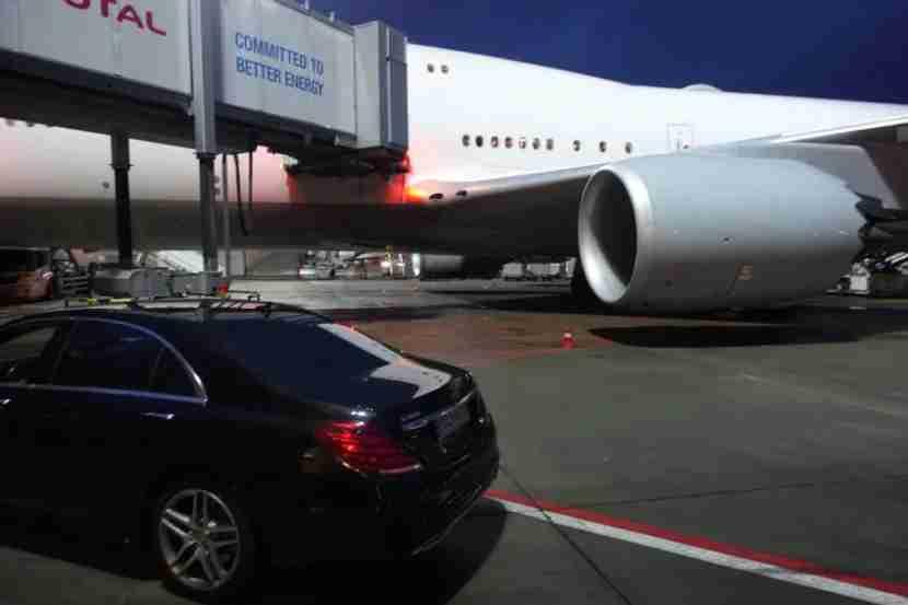 Lufthansa drove us to the 747-8 in Frankfurt.
