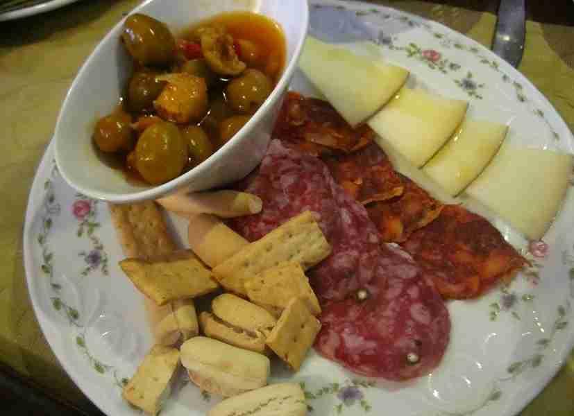 Embutidos galore: Salchichón, chorizo, manchego, picos and olives.