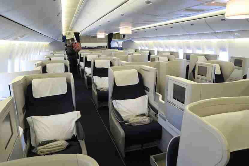 The quite-large 777-200 Club World cabin was mostlyfilled this flight.