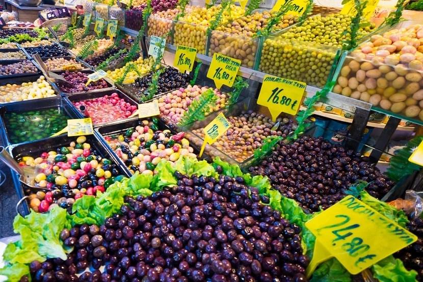 Kadiköy's fascinating produce market. Image courtesy of Shutterstock.
