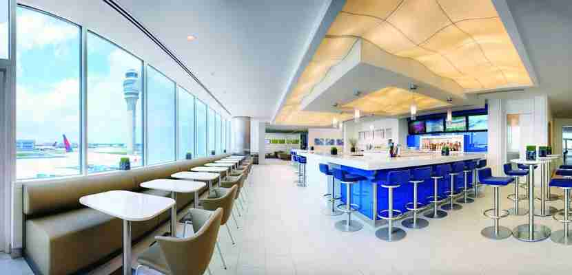 You can now get hot food at some SkyClubs.