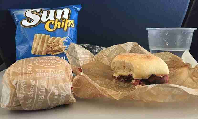 Delta could have offered a bit more food in its lunch bags.