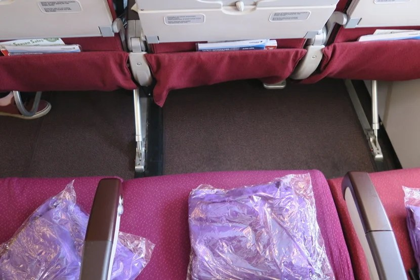 The seat structure and entertainment boxes did not impede legroom.