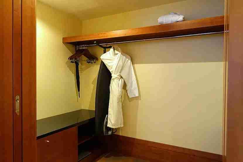 PHHbedroomcloset