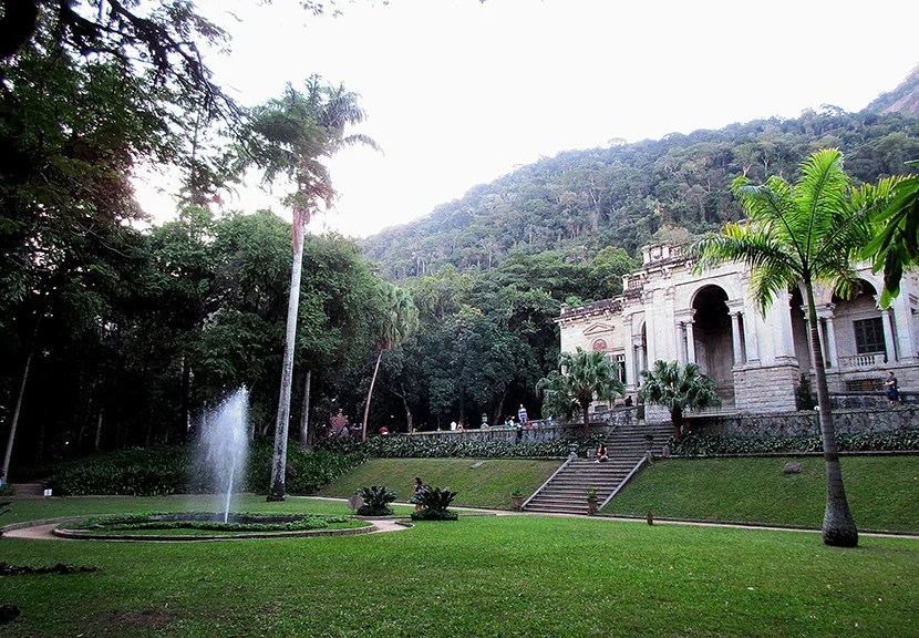 Parque Lage feels more like a countryside estate than a big-city mansion.