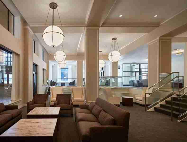 Amtrak-New-Lounge-Lobby