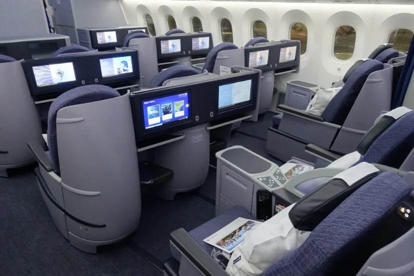united 787-9 inaugural dreamliner