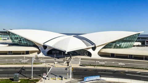 Construction is underway at jfk 39 s twa terminal hotel site for Hotel at jfk airport terminal